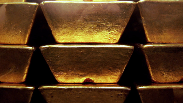 Gold Price Hits Twenty Six Year High