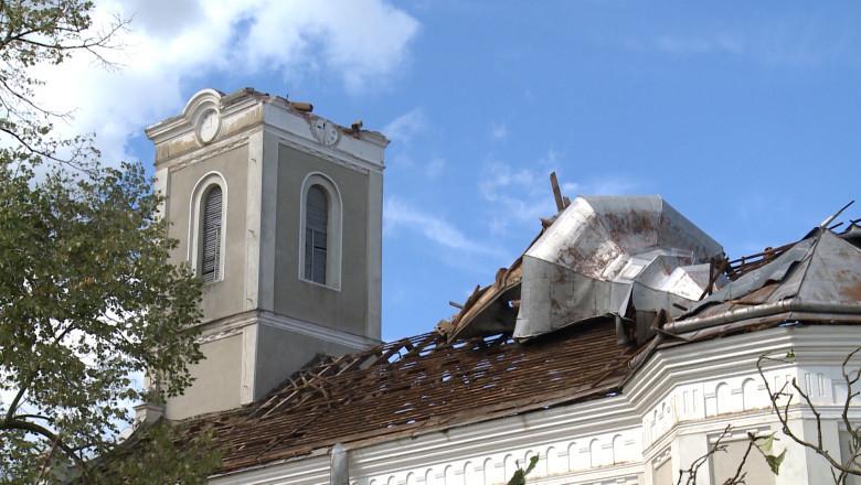 biserica distrusa furtuna Ghighiseni