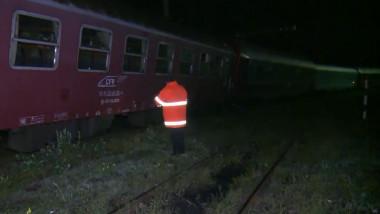 tren deraiat dej