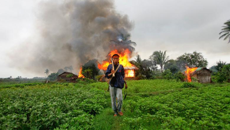 Burma-Burning-Houses