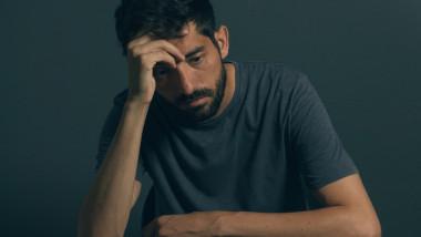 depresie barbat -shutterstock