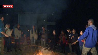 straini romania foc de tabara