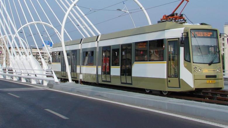 tramvai 1 ratb transport in comun foto facebook RATB 04 08 2015