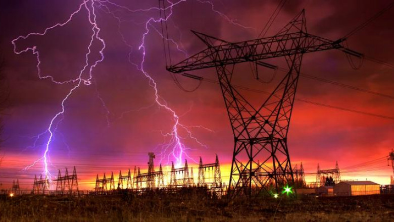 emp-lightning-powerline-1