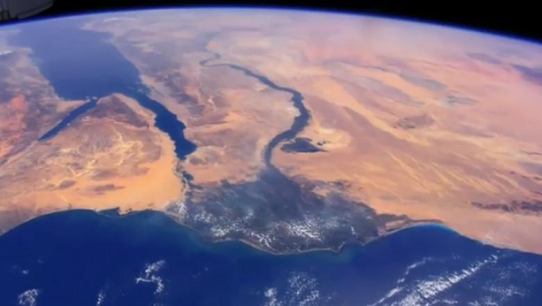 Video Frumuseţea Pămantului Văzută De La 400 De Km Inălțime