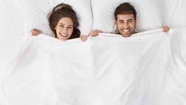 pat somn cuplu sex