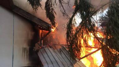 incendiu sediul Adm Parc Natural Apuseni Sudrigiu 151117 (3)