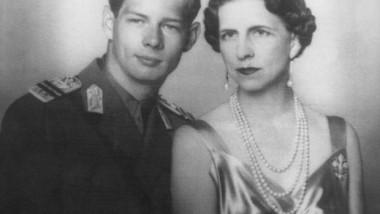 regele-mihai-si-regina-mama-elena-1940_f27dceebfeeaa1