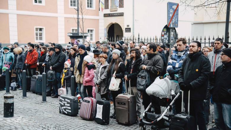 protest cu valize legile justitiei_va vedem din sibiu `1