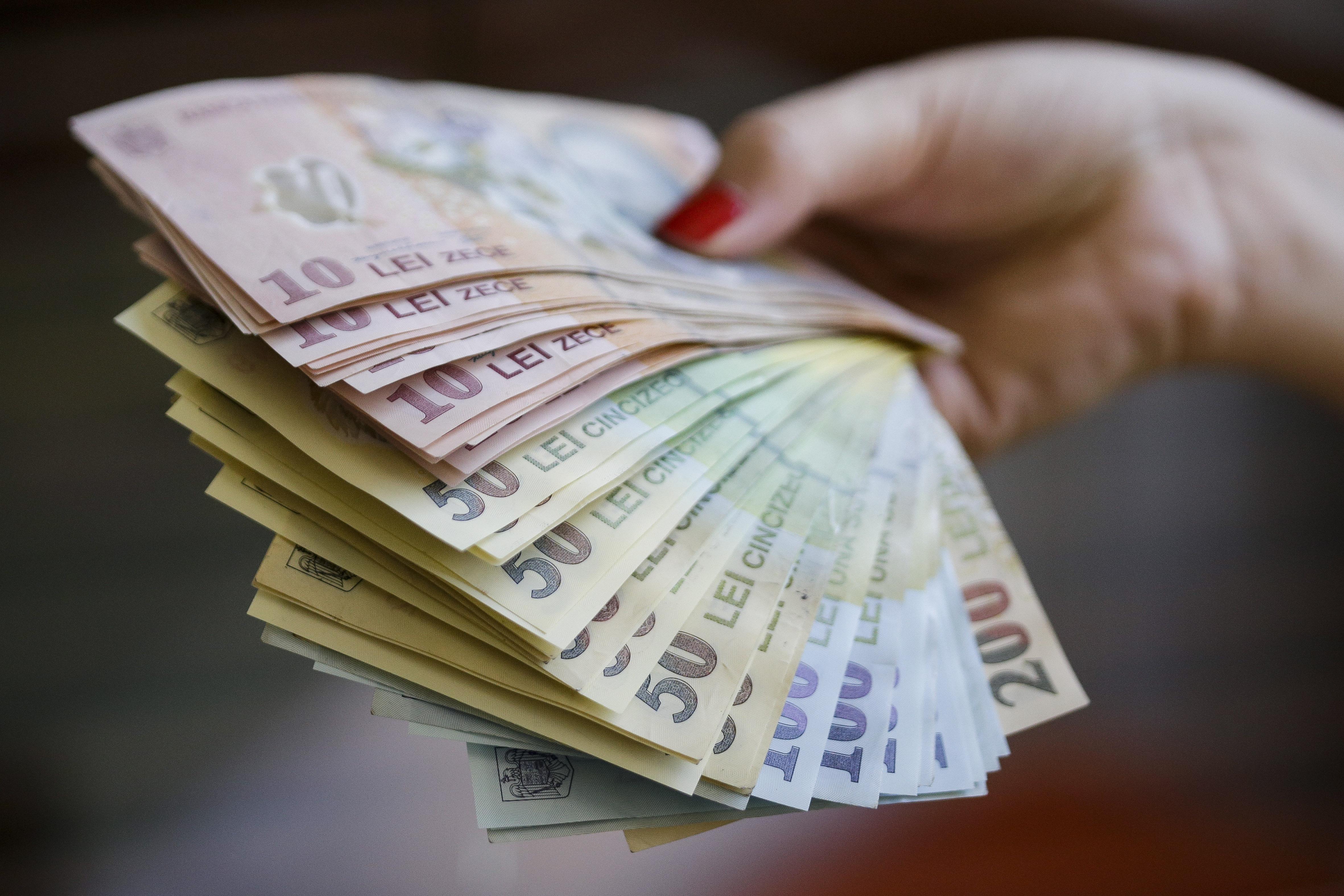 Câți români au renunțat la Pilonul 2 de pensii private