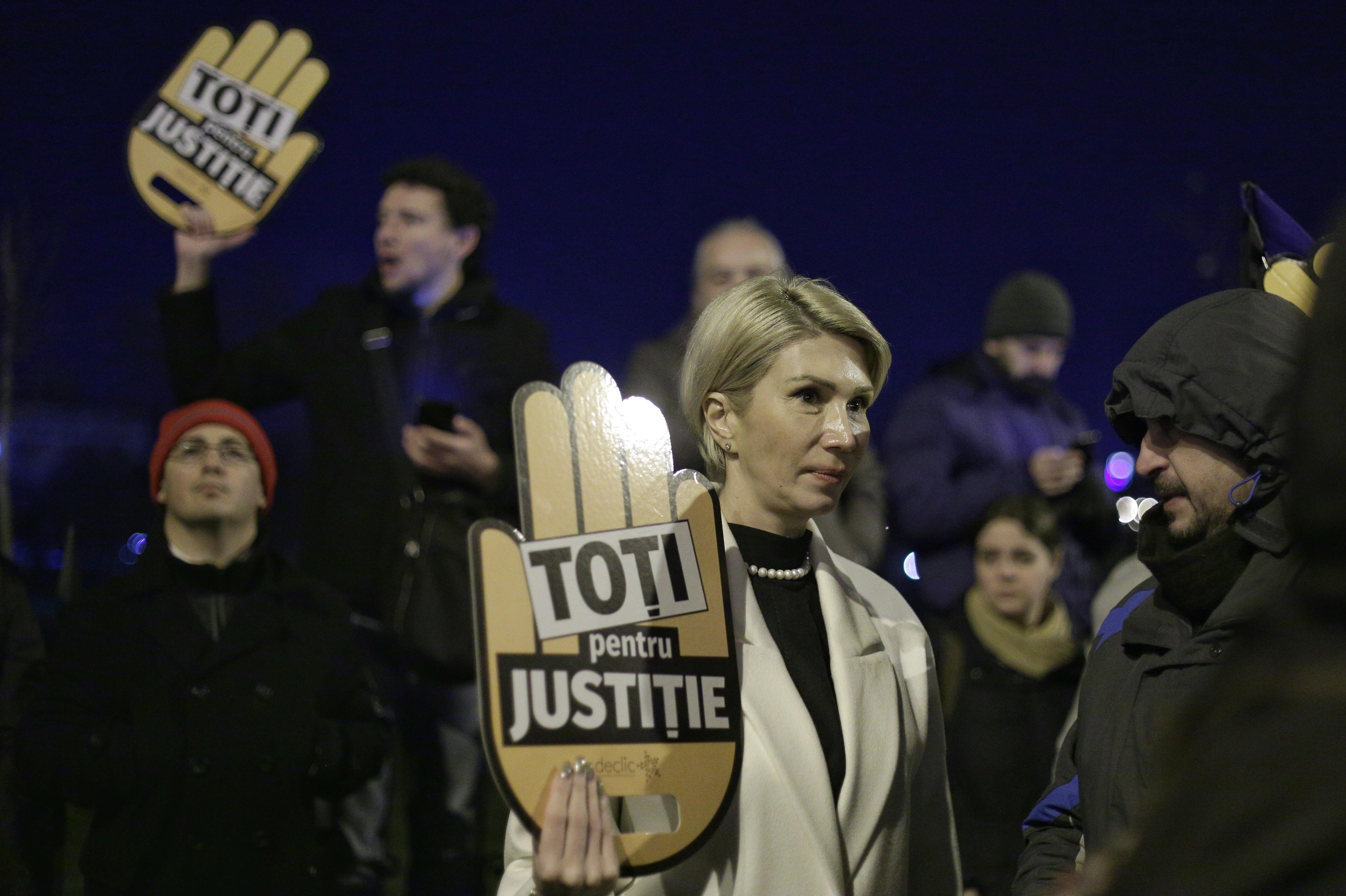 protest 11 decembrie parlament_Inquam Photos Octav Ganea (1)