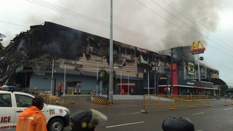 incendiu mall filipine
