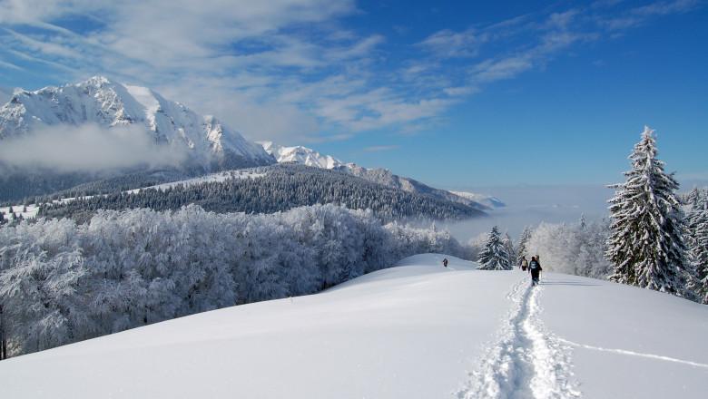 iarna muntii bucegi_shutterstock_22323085