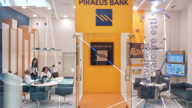 piraeus bank FB