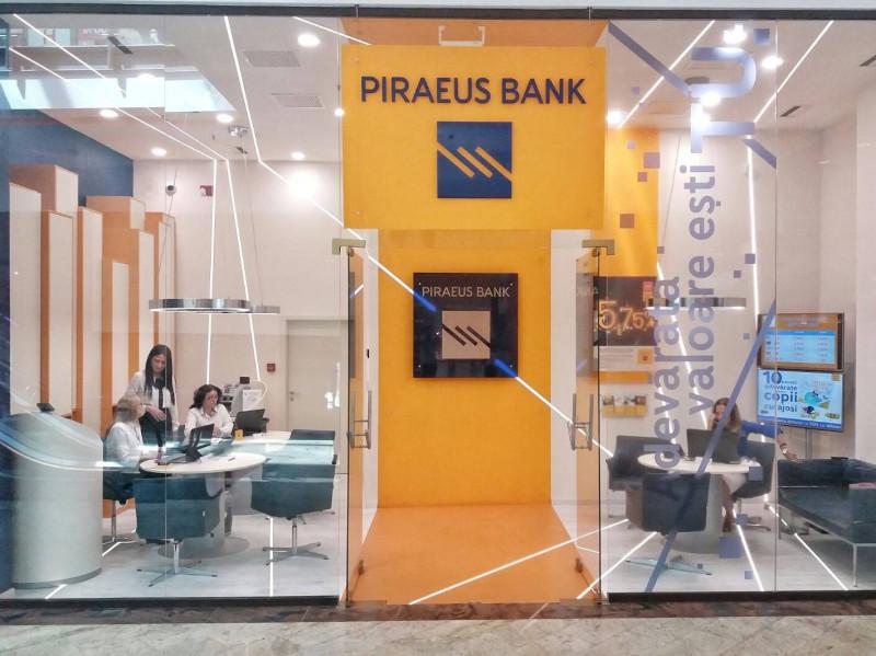 piraeus bank FB