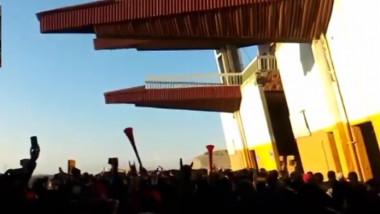 protest iran stadion