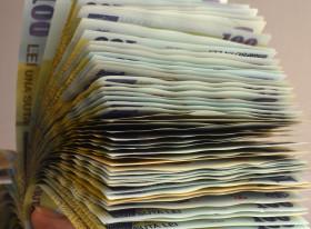 lei bancnote bani -agerpres - 17 august 2015