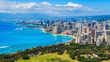 Waikiki Beach, Honolulu, Hawaii_shutterstock_514706320