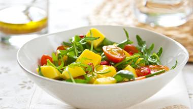 salata de mango