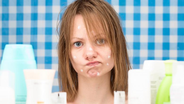 cosuri pe fata acnee