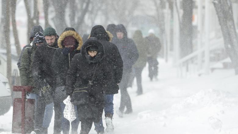 iarna zapada 180227_VISCOL_BUCURESTI_02_INQUAM_Photos_Octav_Ganea