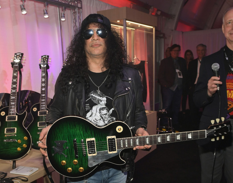 Gibson Rocks Opening of CES 2018 with Slash