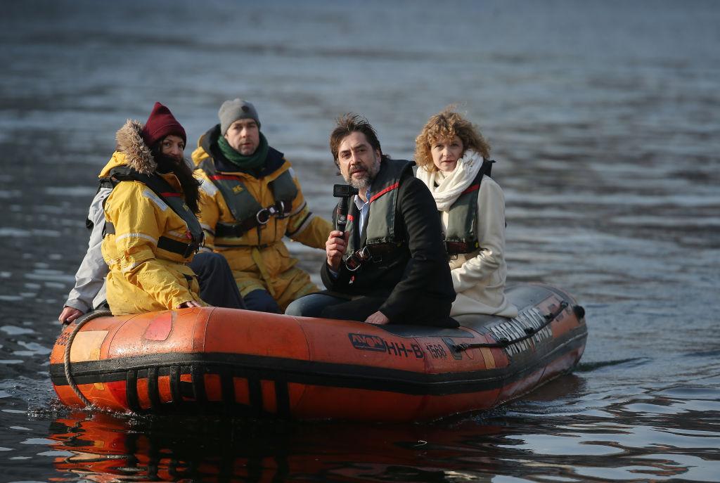 Javier Bardem s-a scufundat la 270 de metri adancime in Oceanul Arctic