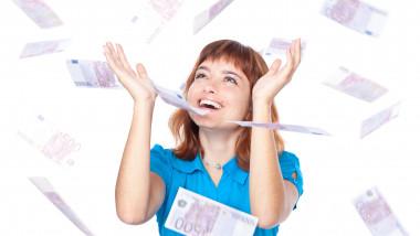 femeie castiga loto bani euro bogat