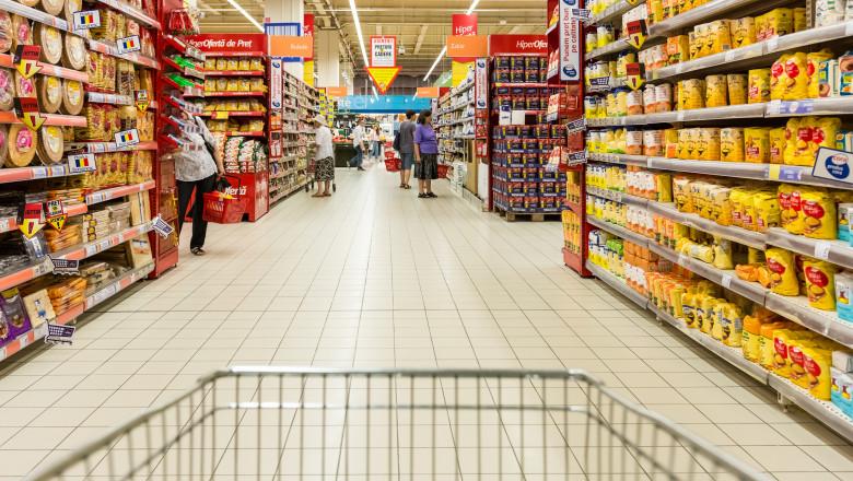 cumparaturi supermarket hipermarket economie alimente scumpire inflatie