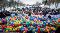 Cinci-mii-de-persoane-la-Marșul-pentru-viață-din-București-Mărturia-lui-Aurelian-Temișan-despre-nașterea-sa