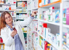farmacista medicamente farmacie_shutterstock_549938128