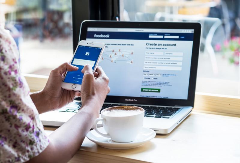 shutterstock - facebook