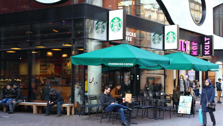 starbucks cafenea shutterstock_763478941