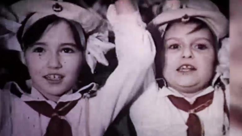 elevi comunism
