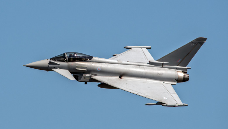 avion Eurofighter Typhoon_shutterstock_719349667
