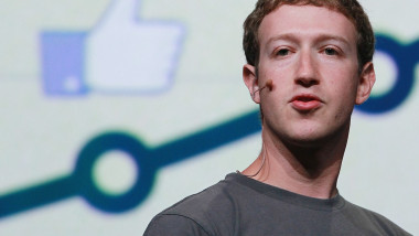 Mark Zuckerberg, buton like Facebook - Guliver GettyImages