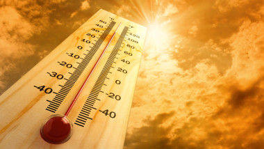 vremea meteo cald soare canicula shutterstock_80404600