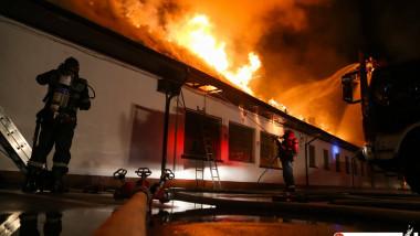 incendiu scoala 124 bucuresti_isu bucuresti ilfov (11)