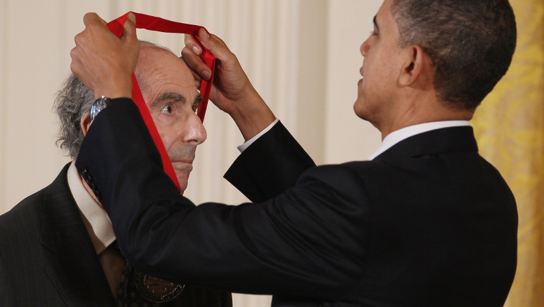 Obama Confers Nat'l Medal of Arts And Nat'l Humanities Medal To 20 Honorees