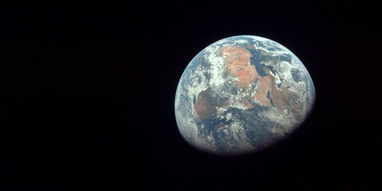 Un asteroid se indreapta spre Pamant. Cand ar putea lovi planeta noastra
