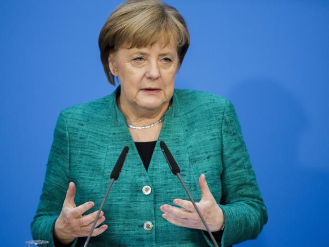 Protest soldat cu zeci de arestări la Berlin, împotriva Angelei Merkel și a restricţiilor antiepidemice. Doi polițiști au fost răniți