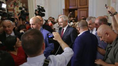 protest rezist parlament dragnea_inquam ganea (1)