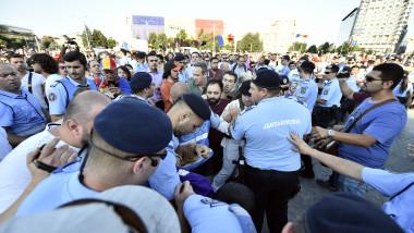violente protest bucuresti 2 agerpres_11245186
