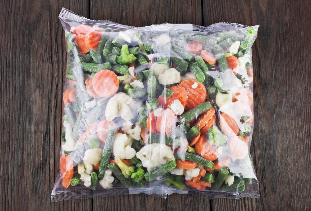 Supermarketurile anunţa clienţii sa aduca inapoi fructele si legumele congelate