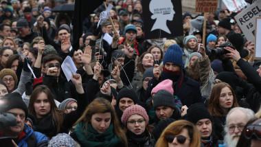 Protest față de înăsprirea legislației privind avorturile în Polonia
