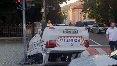 masina politie rasturnata MM foto Radu Conopan