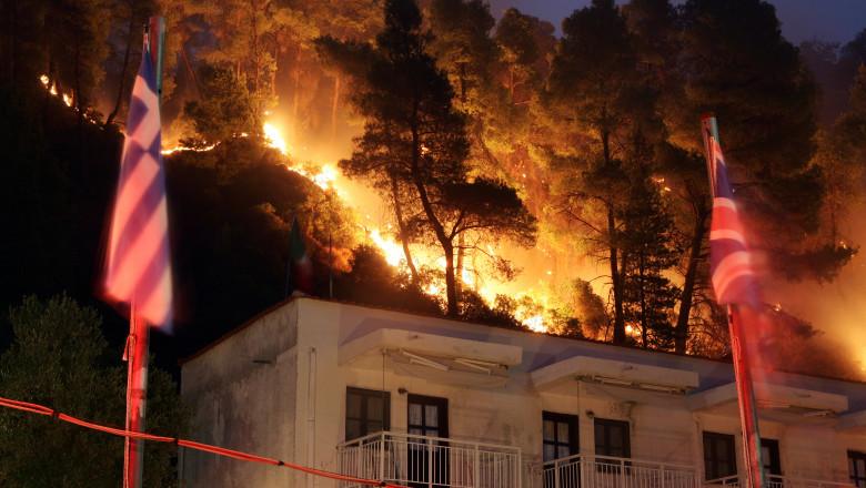 incendiu grecia shutterstock_107423105