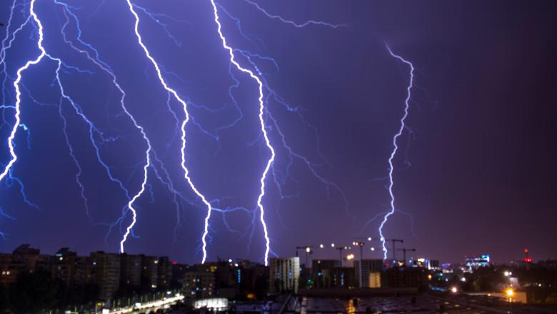 furtuna ploaie fulgere bucuresti