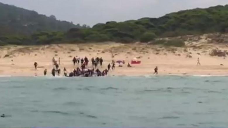 imigranti plaja nudisti spania