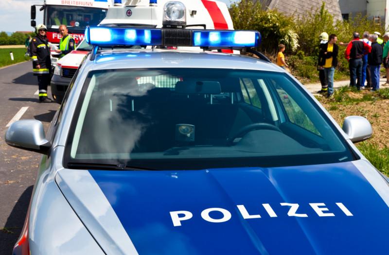 politia austria accident shutterstock